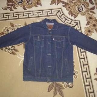 Jaket Levis warna biru Dongker
