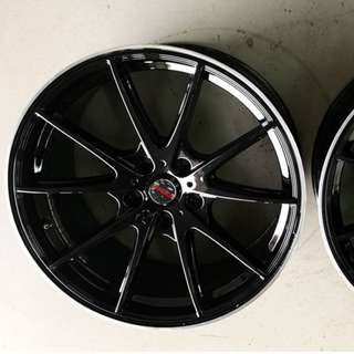 "G25 18"" Gloss Black 5X114.3 (2nd hand)"