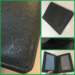 Louis Vuitton Taiga Bi Fold Card Holder Green