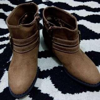 Desert Brown Boots