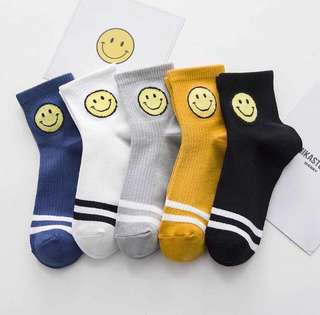 [INSTOCKS] KOREAN STYLED ABOVE ANKLE SMILEY FACE SOCKS