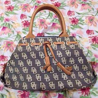 MARKDOWN PRE-LOVED AUTHENTIC Dooney and Bourke Bag