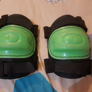 Knee pads for bikeing and skateing