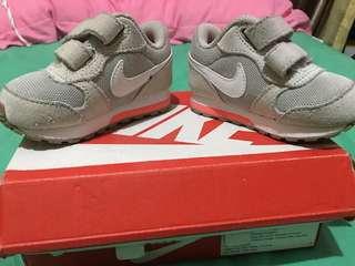 Sepatu nike baby nike MDRUNNER