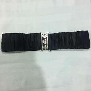 Tali pinggang hitam