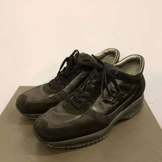Hogan men size 8.5 leather sneakers