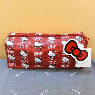 BRAND NEW Red Hello Kitty with Apples Make Up Pouch / Cosmetics Pouch / Wristlet / Pencil Case