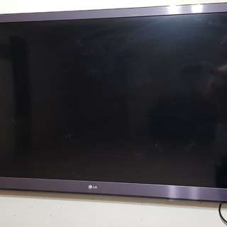 "LG 55"" 3D LED SMART TV ..VIDEO CARD NEED TO CHANGE."