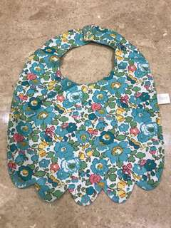 Reversible baby bip scallop style