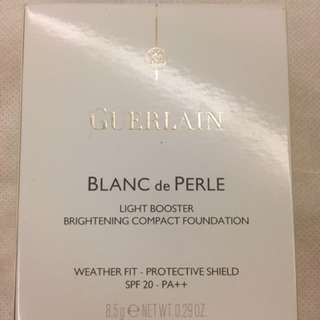 Guerlain Blanc de Perle Light Booster Brightening Compact Foundation SPF 20 - PA++