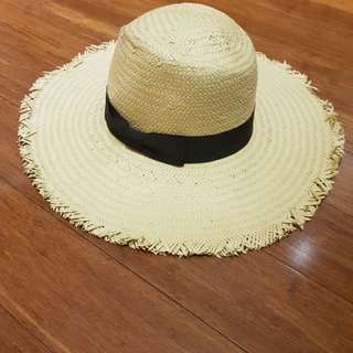 BNWT Country Road sun hat