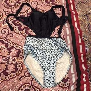 Bikini atau baju renang import. Hanya sekali pakai. Suami ga suka jd aku jual aja. 35 ribu.