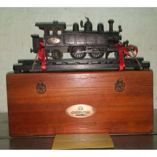 🚚 {gcshop} 限量 台鐵14號立體雕塑模型  純手工雞翅木刻造 附保證卡 2006年台灣鐵路管理局發行(歡迎驗貨)