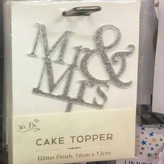 Mr & Mrs wedding cake topper party