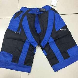 For kids short P250 Fit 7-10 yrs old  Maganda tela