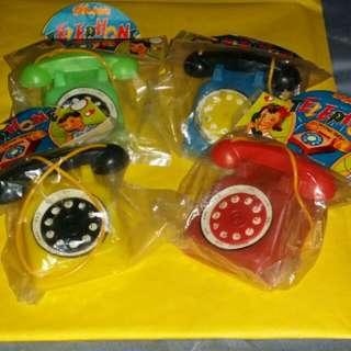 60年代港制童玩。每部80元,全要4个共280。只限郵寄。包邮