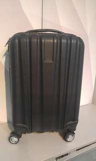 """全新貨板- 20"""" 手提上機行李喼"""