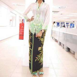 Dress for rent (Kebaya Nyonya)