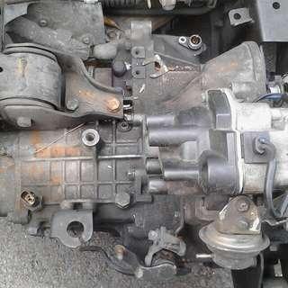 Iswara 1.5 engine/gebok