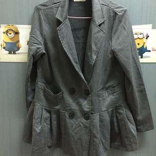 🚚 灰色 造型特別 外套 交換
