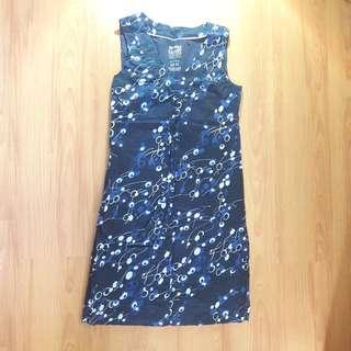 Blue printed sleeveless dress