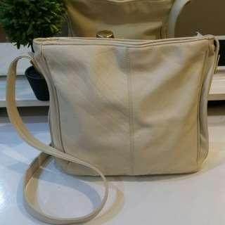 Toni Crossbody bag
