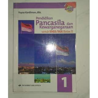 Buku Pelajaran Pendidikan Pancasila & kewarganegaraan SMA 1