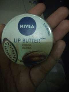 Nivea lips
