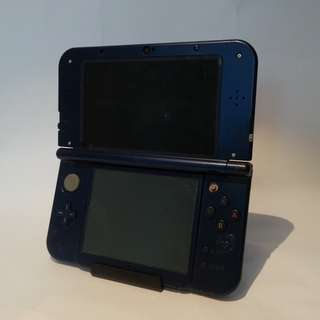 Nintendo New 3ds Xl Metallic Blue Handheld Console (For Parts / Repair)