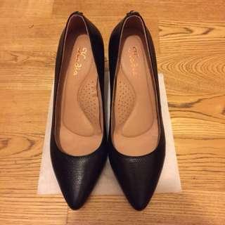 👠百貨公司專櫃品牌 Kadia 黑色高跟鞋