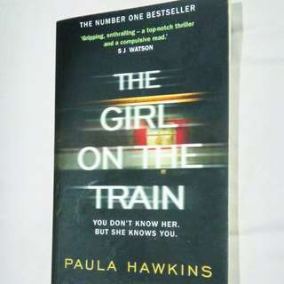 (LARGE PAPERBACK) THE GIRL ON THE TRAIN BY PAULA HAWKINS - ENGLISH NOVEL
