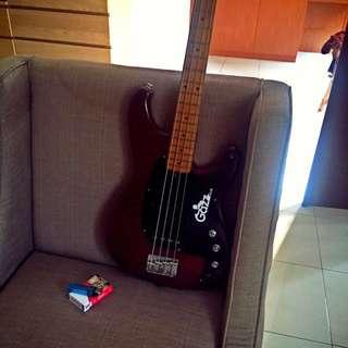 Bass Ibanez Roadstar II. made in japan.