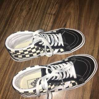 OLD SKOOL HIGH CUT CHECKERED VANS