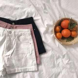 🚚 [現貨]春夏日捲邊微寬牛仔短褲(黑、粉、白)