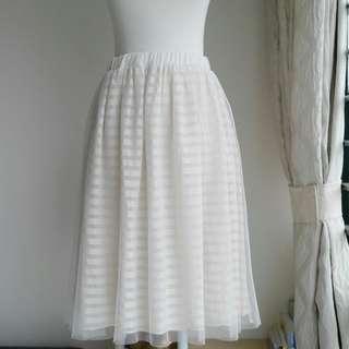 購自日本品牌The Emporium雙層網紗夾針織裡半裙