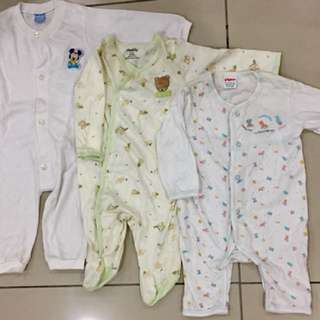 Preloved sleep suits for babkes
