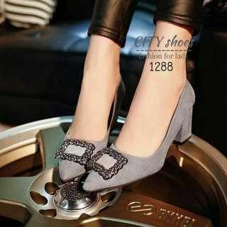 Style Manolo Blahnik shoes
