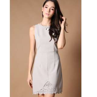 (L) TheStageWalk Crochet Dress - Grey