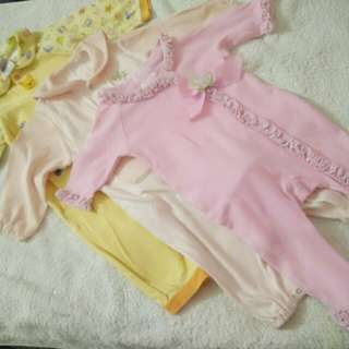 BUNDLE OF BABY GIRL SLEEPWEAR