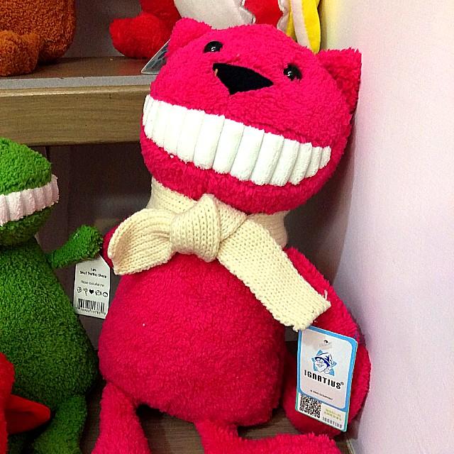 娃娃機,大隻的布質怪獸玩偶