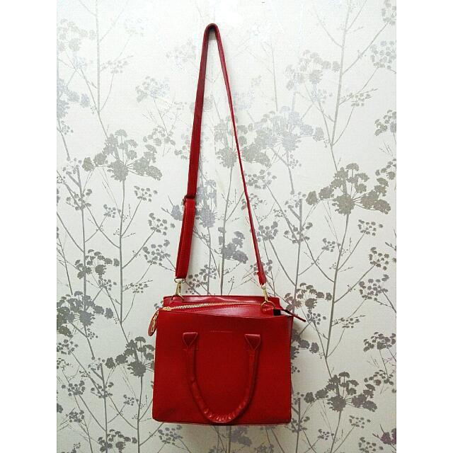 🆕 Red Handbag