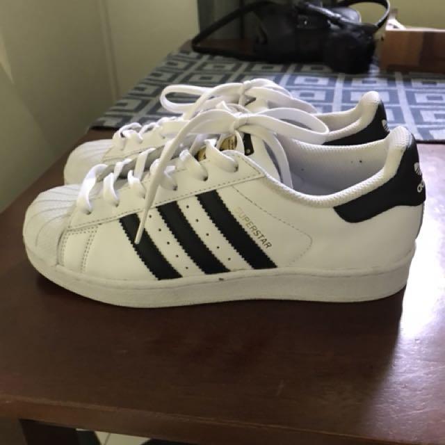 Adidas Superstars sz 6