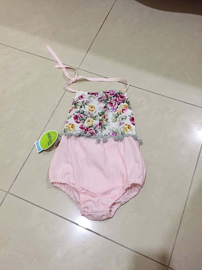 Baby Girl Clothes - 0 to 3 months