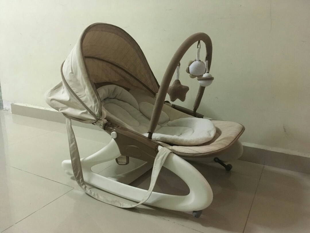 Baby rocker, carry bag for baby, baby bath tub and baby walker for ...