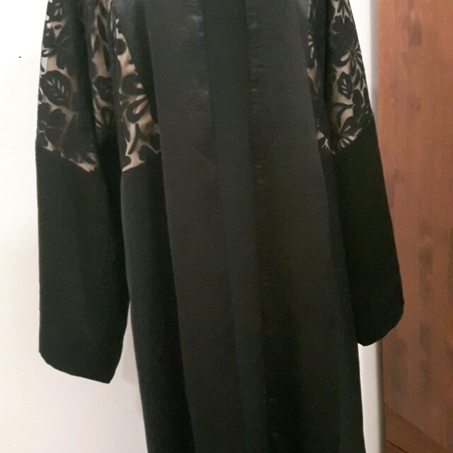 Beautiful Lacey Abaya