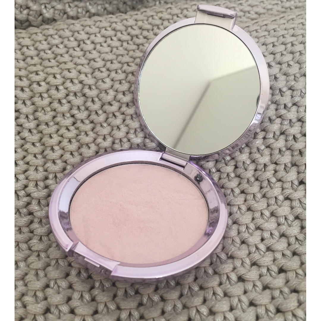 Becca Prismatic Amethyst Highlighter - limited edition rrp. $64