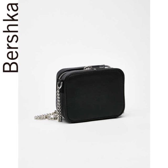 Bershka 熱賣缺貨款黑色鏈條迷你防刮方形包斜背包