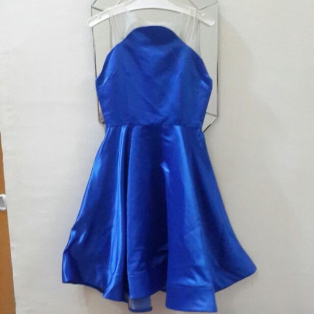 Blue dress premium