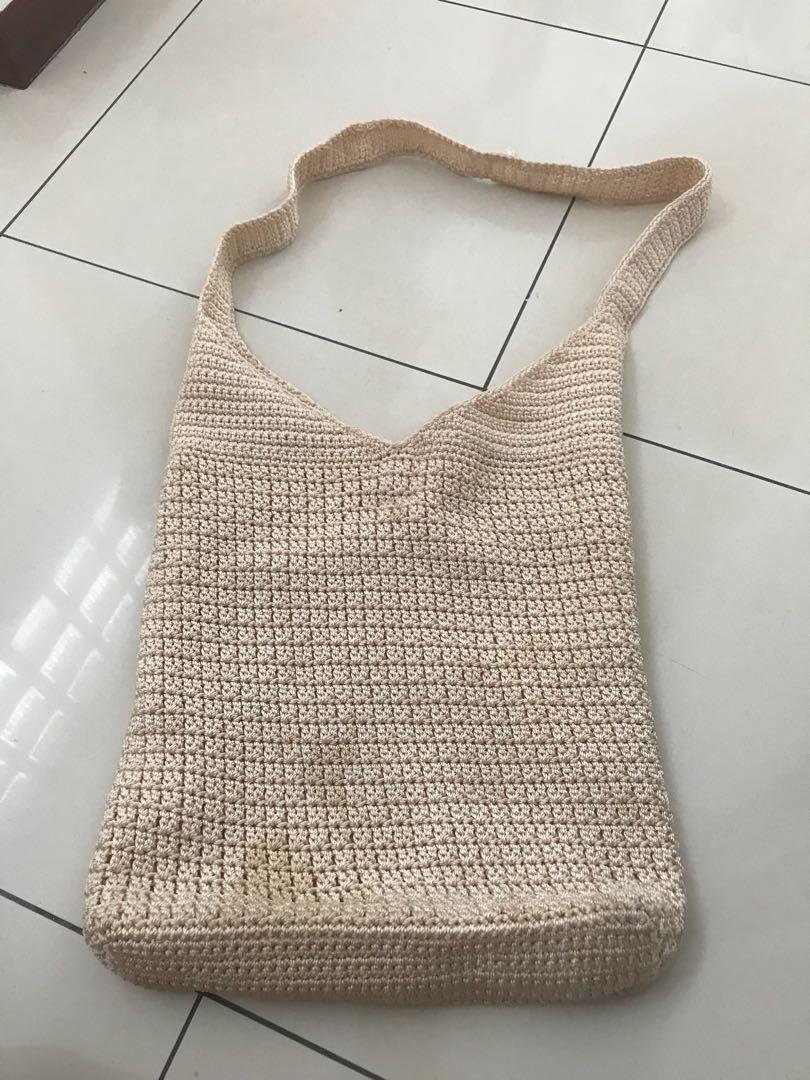 broken white shoulder bag V shaped
