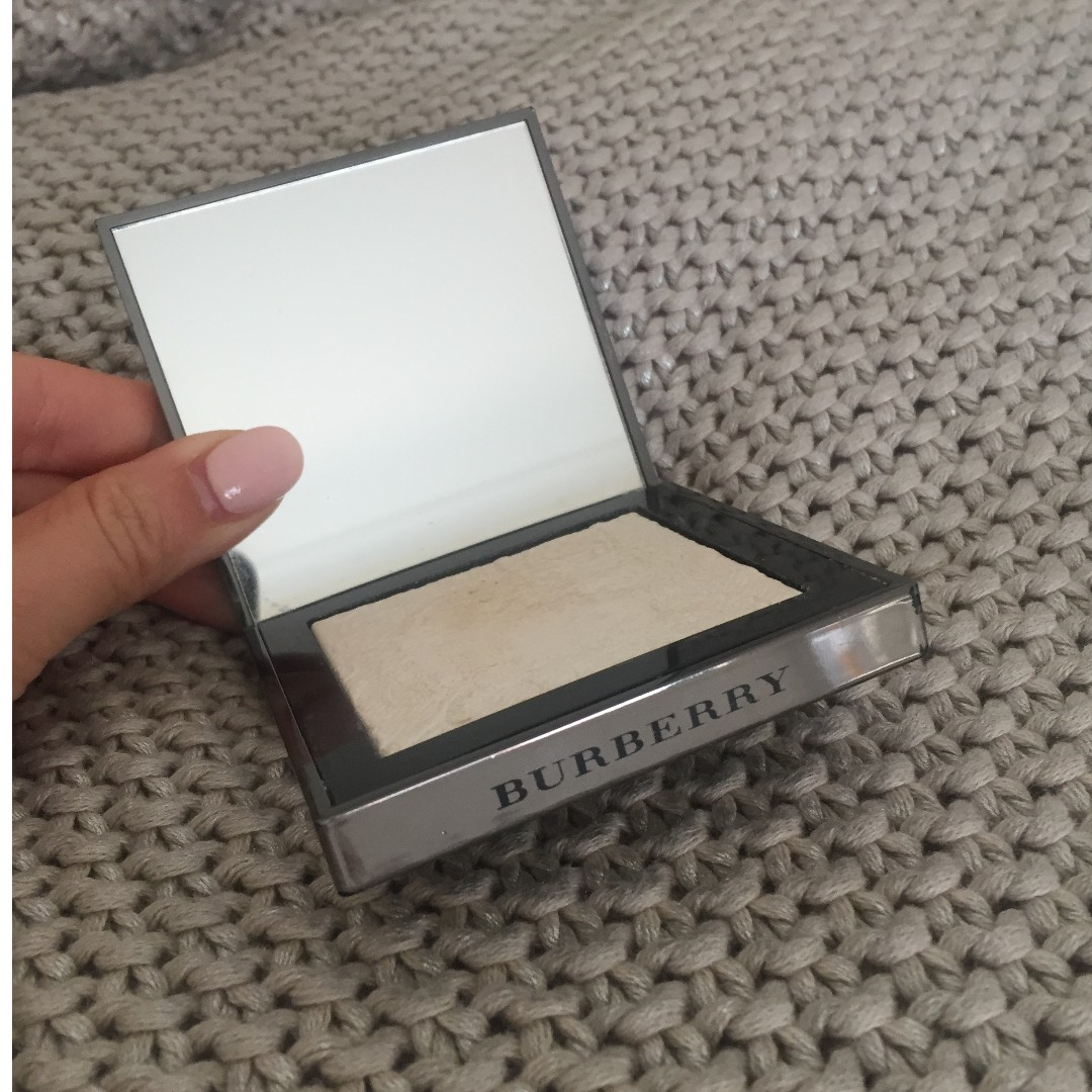 Burberry White No.01 Highlighter - limited edition rrp. $88